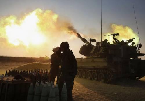 مدفعية الاحتلال تقصف أهدافاً في بيت لاهيا عقب إطلاق صواريخ من غزة