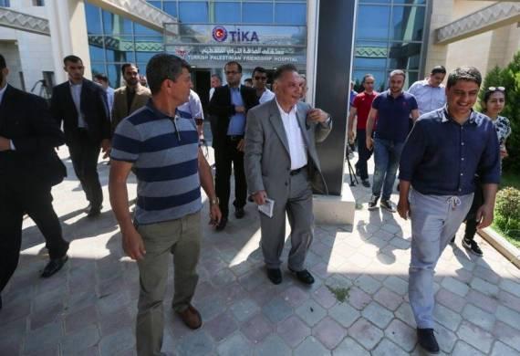 سفير أنقرة لدى القدس يتفقد مشاريع تنموية لبلاده في غزة