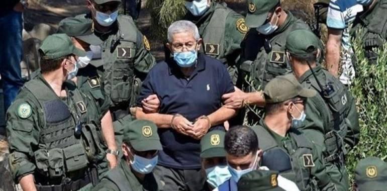السجن 10 أعوام لرئيس الوزراء الجزائري الأسبق